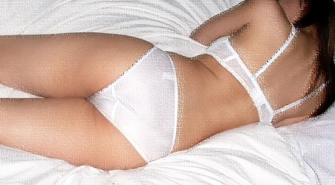 石川 白下着の女
