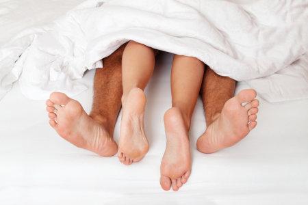 男女の交わりonベッド