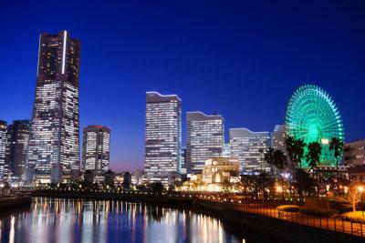 横浜の観覧車の夜景